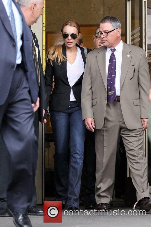 Lindsay Lohan, Battles and Clinic