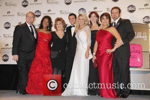 Marc Cherry, Joy Behar, Las Vegas, Marilu Henner and Mark Wills 1