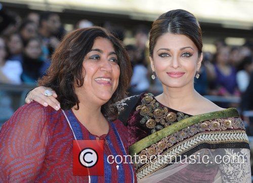 Aishwarya Rai and Gurinder Chadha 8