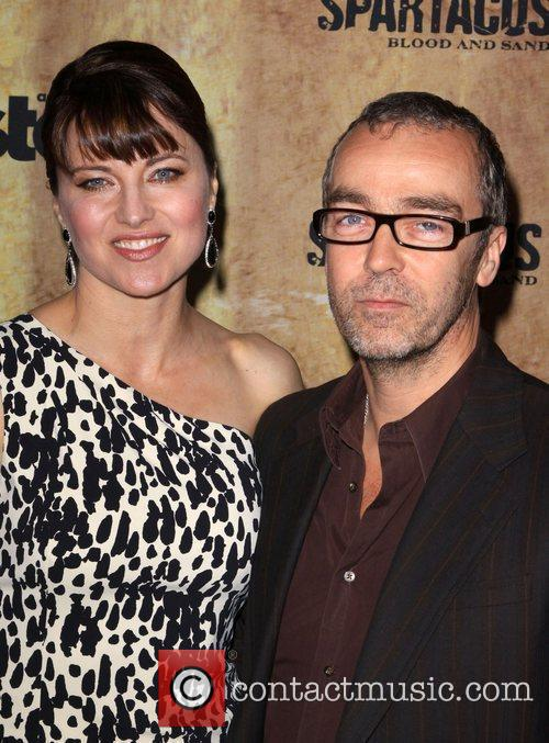 Lucy Lawless and John Hannah 3