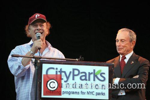 Art Garfunkel and Mayor Michael Bloomberg