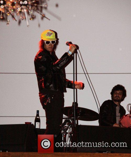 Julian Casablancas, Celebration, The Strokes and Tommy Hilfiger 2