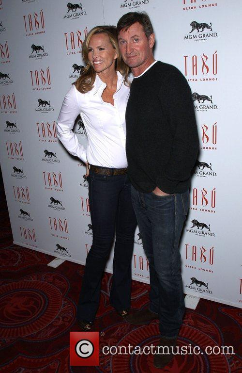 Janet Jones, Wayne Gretzky and Tabu Ultra Lounge