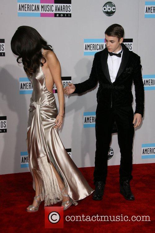 Selena Gomez, Justin Bieber and American Music Awards 1