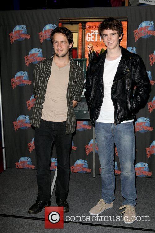 Michael Angarano and Freddie Highmore