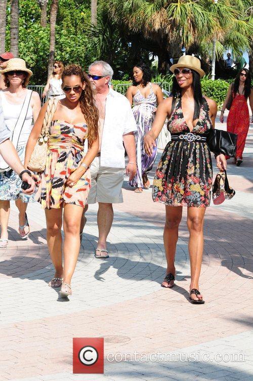 Vh1, Evelyn Lozada and Jennifer Williams 11