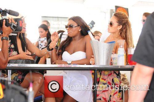 Vh1, Evelyn Lozada and Jennifer Williams 5