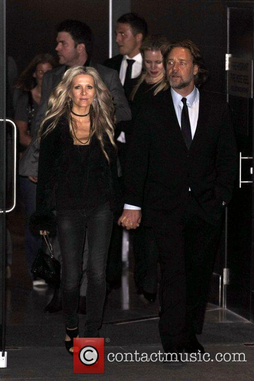 Russell Crowe and Danielle Spencer 11