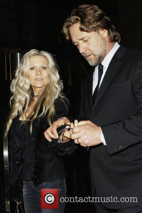 Russell Crowe and Danielle Spencer 10