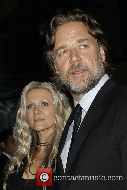 Russell Crowe and Danielle Spencer 7