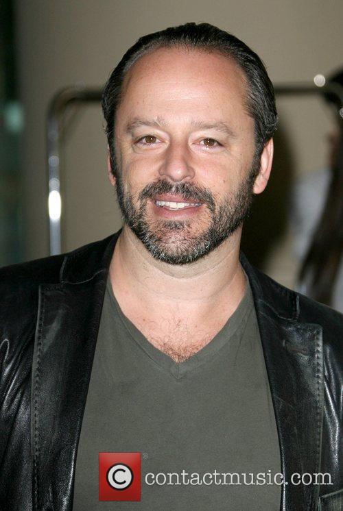 Gil Bellows