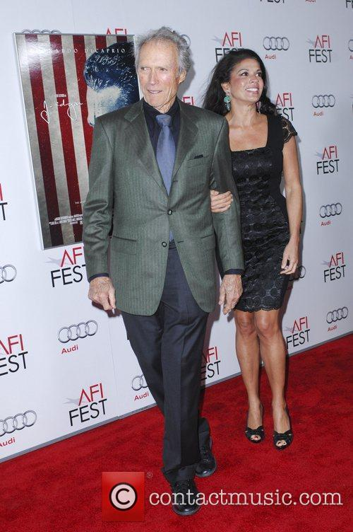 Clint Eastwood, Dina Eastwood and Grauman's Chinese Theatre 1