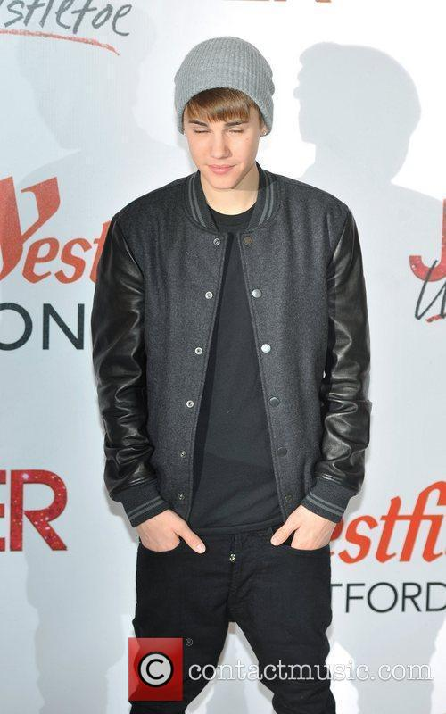 Justin Bieber and The Westfield Shopping Centre 10