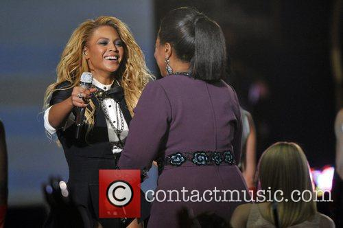 Beyonce Knowles and Oprah Winfrey 8