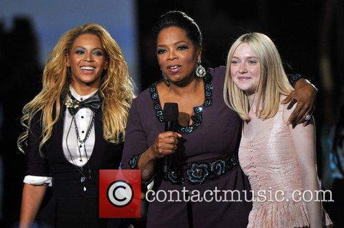 Beyonce Knowles, Dakota Fanning and Oprah Winfrey 11