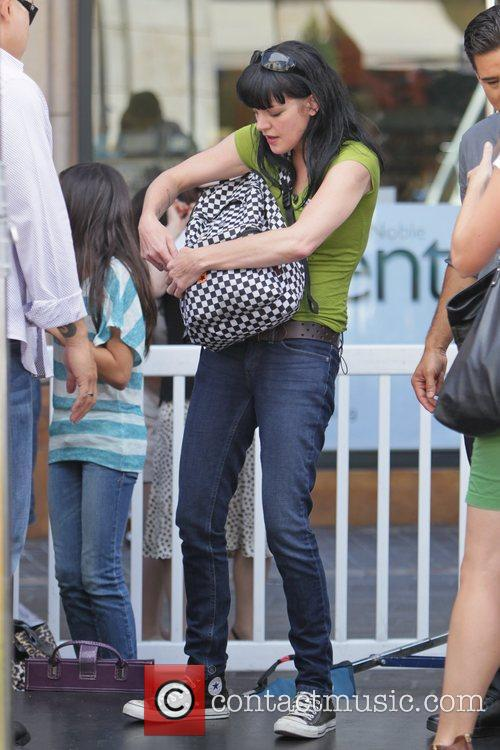 Pauley Perrette and Mario Lopez 7