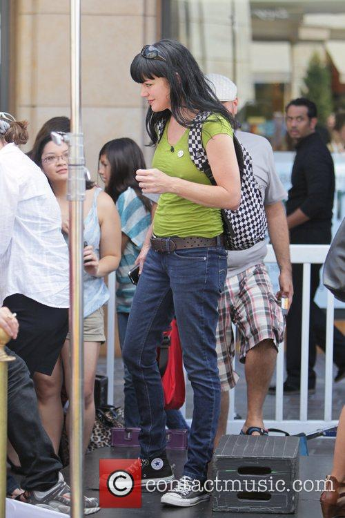 Pauley Perrette and Mario Lopez 11