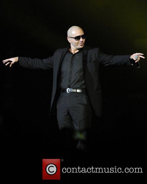 Pitbull, Enrique Iglesias and Euphoria