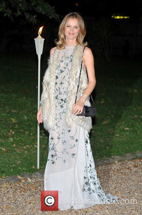 Eva Herzigova and Hampton Court Palace 3