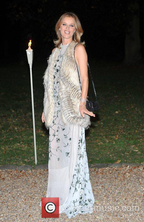 Eva Herzigova and Hampton Court Palace 2