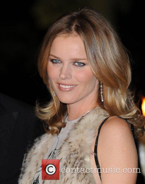 Eva Herzigova and Hampton Court Palace 6