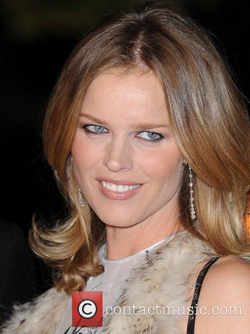 Eva Herzigova and Hampton Court Palace 5