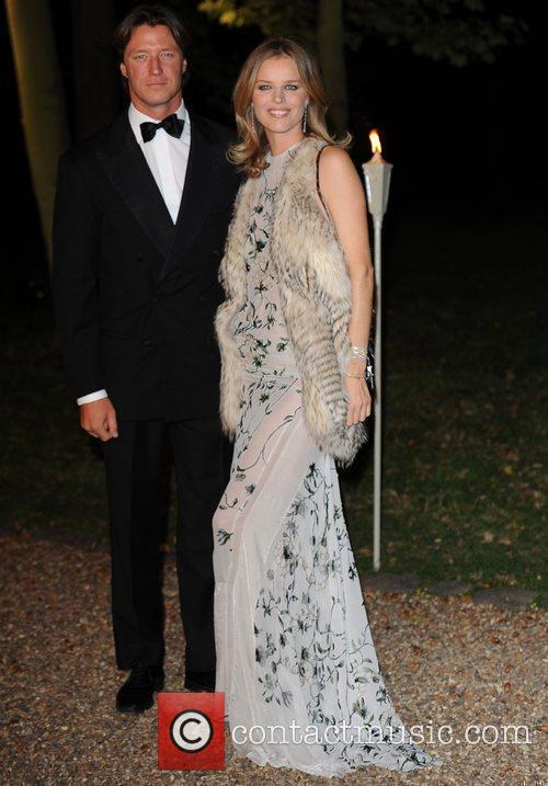 Eva Herzigova and Hampton Court Palace 10