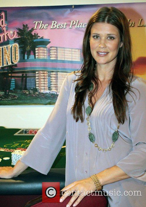 Sarah Lancaster 9