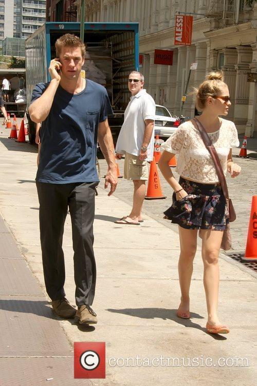 Scott Speedman and Teresa Palmer 6