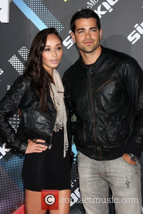 Cara Santana and Jesse Metcalfe 9