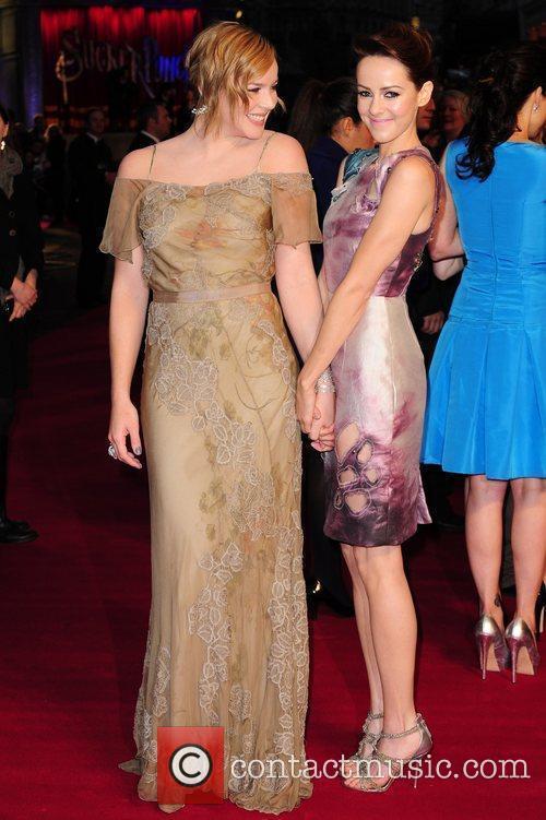 Abbie Cornish and Jena Malone