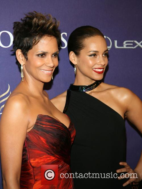 Halle Berry and Alicia Keys 1