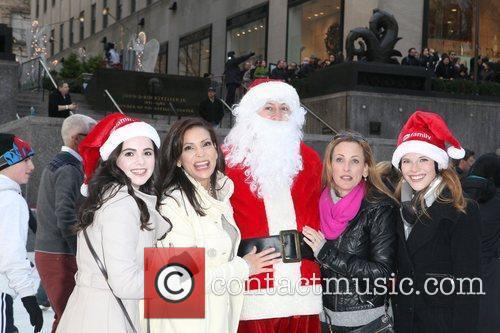 Vanessa Marano, Constance Marie and Lea Thompson 2