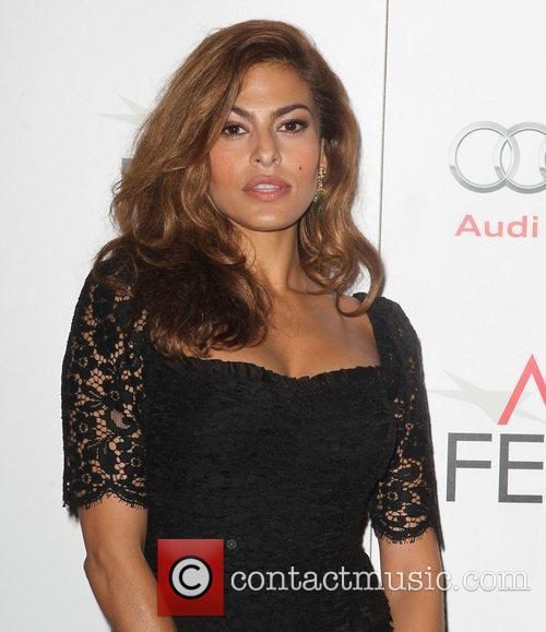 Eva Mendes and Grauman's Chinese Theatre 4