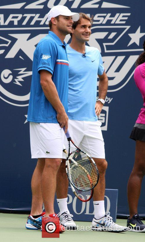 Roger Federer and Andy Roddick 1