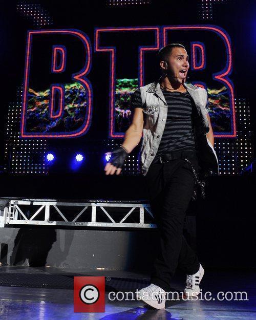 Carlos Pena and Big Time Rush 4