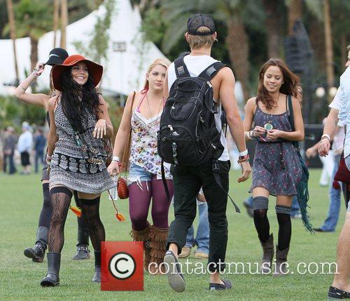 Vanessa Hudgens, Austin Butler and Coachella 9