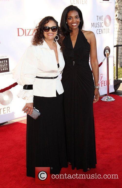 Debbie Allen and Natalie Allen