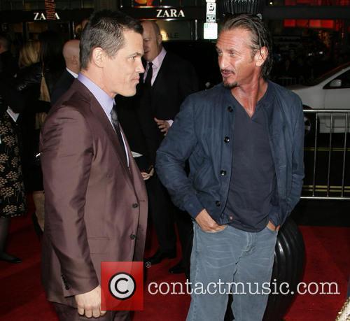 Josh Brolin, Sean Penn and Grauman's Chinese Theater 8