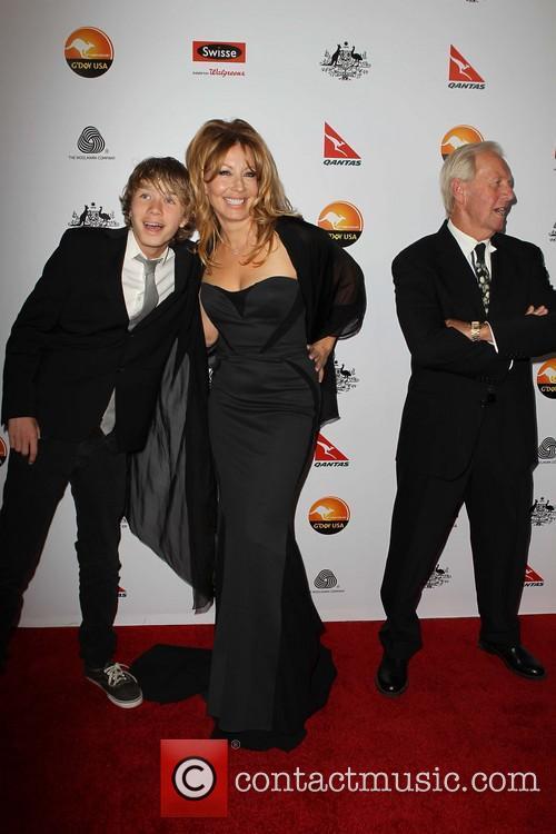 Linda Kozlowski, Paul Hogan and Chance Hogan 1