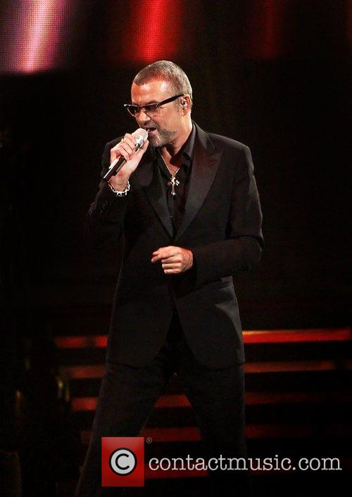 George Michael, Symphonica Tour and Manchester Evening News Arena 4