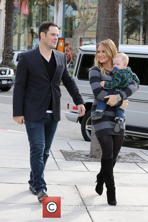 Mike Comrie, Hilary Duff and Luca Cruz Comrie 3