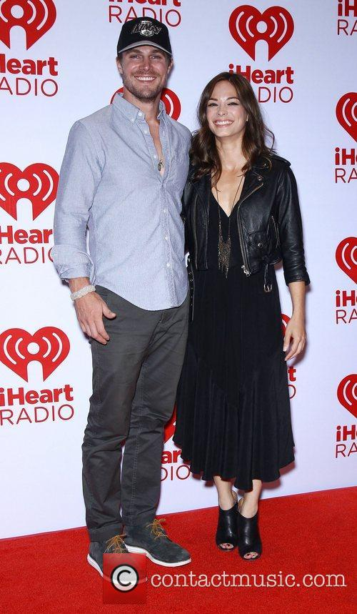 Stephen Amell and Kristin Kreuk 4