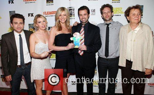 Charlie Day, Mary Elizabeth Ellis, Kaitlin Olson, Rob Mcelhenney and Glenn Howerton