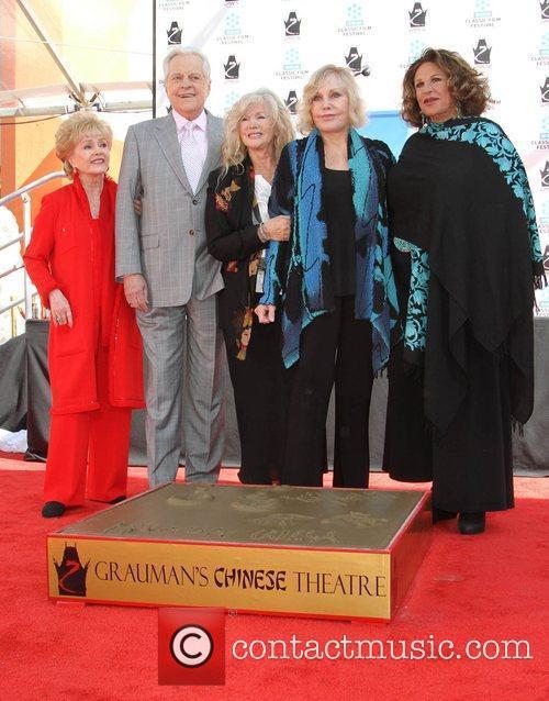 Debbie Reynolds, Connie Stevens, Kim Novak, Lainie Kazan and Grauman's Chinese Theatre