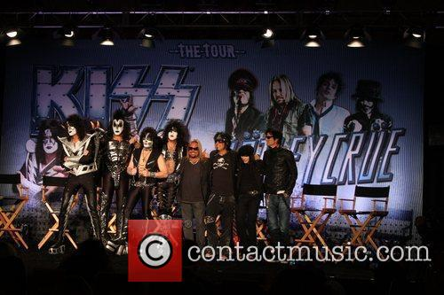 Gene Simmons, Motley Crue, Nikki Sixx, Paul Stanley, Tommy Lee and Vince Neil