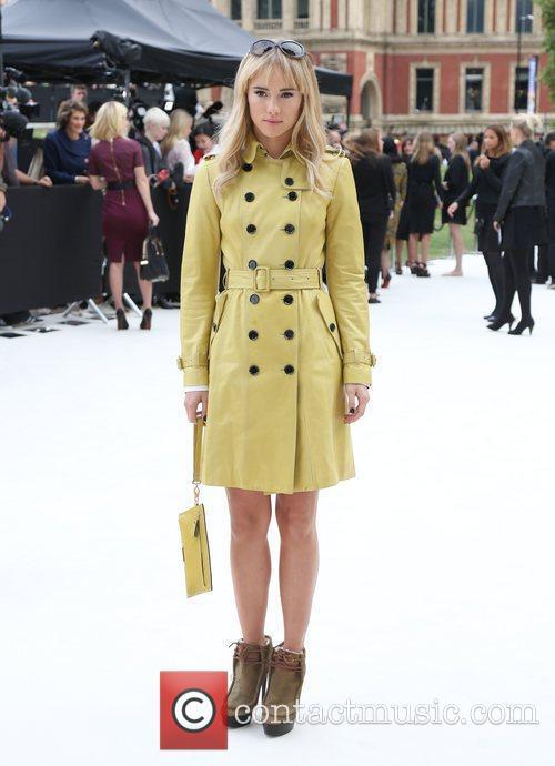 Suki Waterhouse and London Fashion Week 3