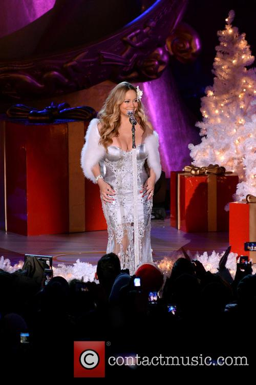Mariah Carey, Tree Lighting Ceremony and Rockefeller Center 4