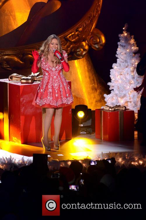 Mariah Carey, Tree Lighting Ceremony and Rockefeller Center 10
