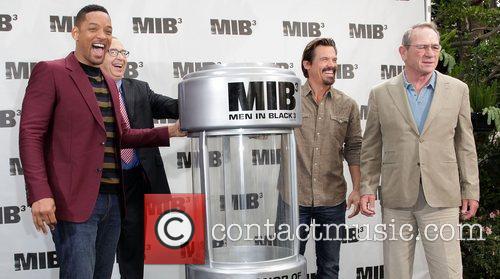Will Smith, Barry Sonnenfeld, Josh Brolin and Tommy Lee Jones 3